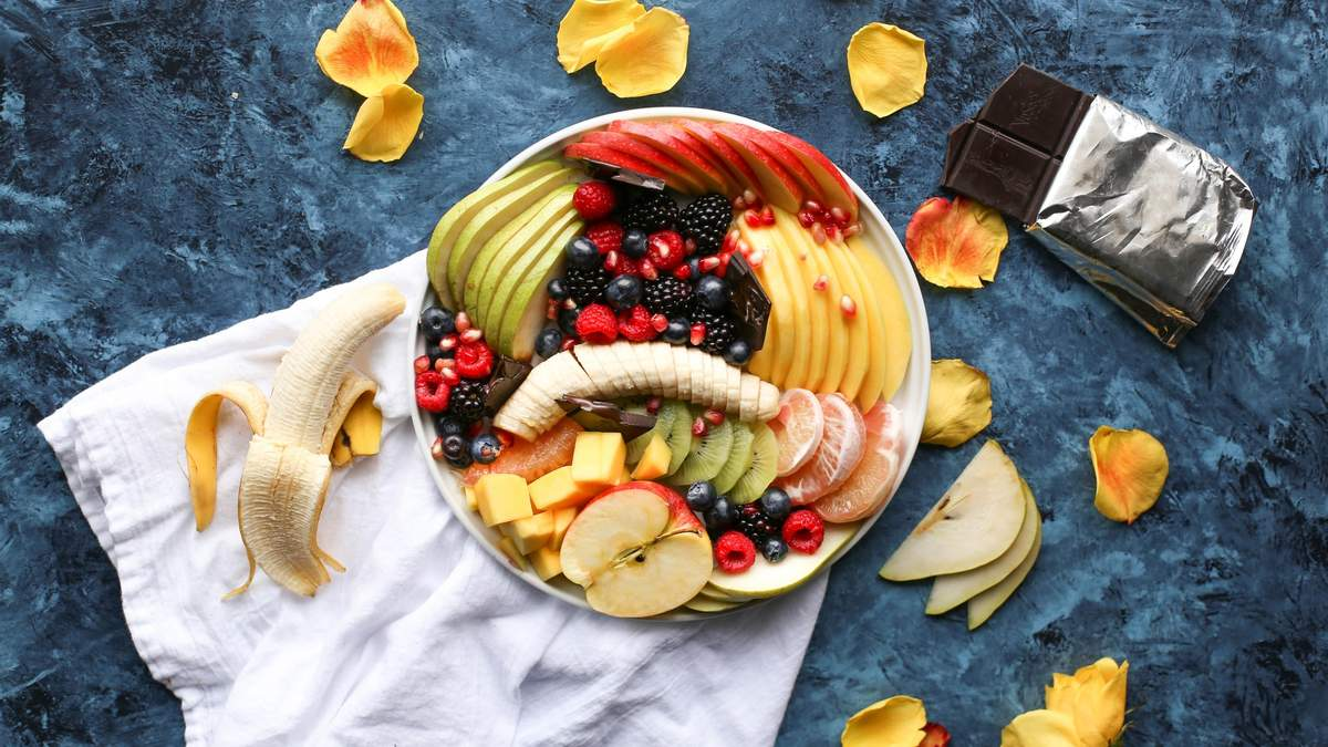 Скільки фруктів можна з'їдати у день: корисна шпаргалка