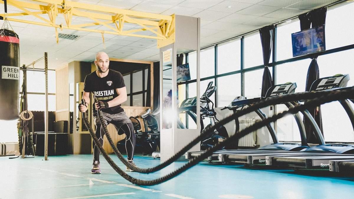 Як тренуватися з канатом: відео вправ на всі групи м'язів