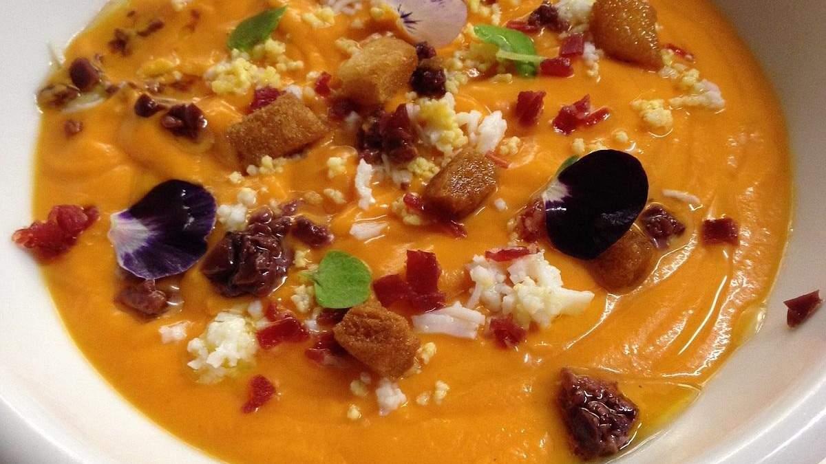 Смачні холодні супи влітку: з чого їх краще готувати