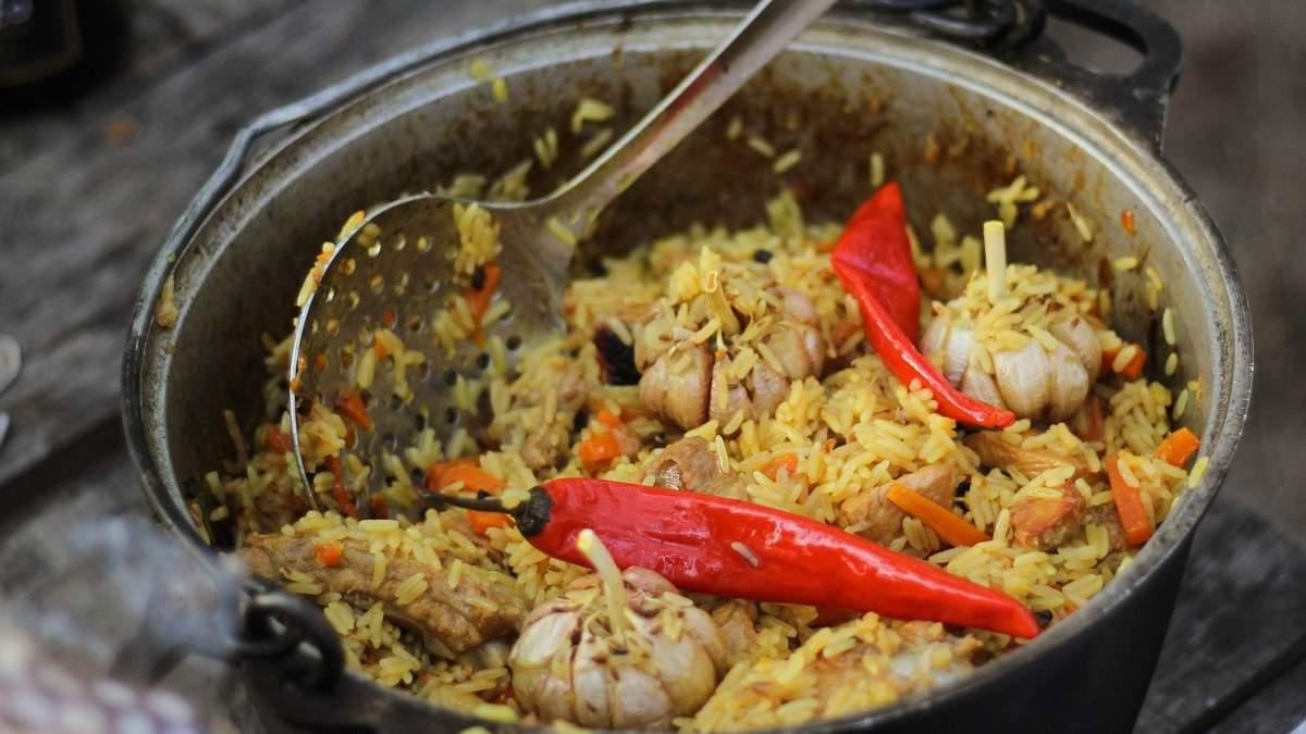 Як приготувати плов зі свининою: домашній рецепт