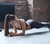 Как заниматься при диастазе: видео упражнений, которые можно делать после родов