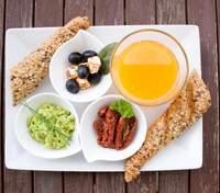 Навіщо потрібен сніданок: фітнес-тренерка розкрила один із секретів стрункості