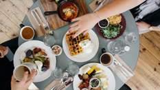 """Дієтологиня назвала 5 """"корисних"""" харчових звичок, яких немає сенсу дотримуватися"""
