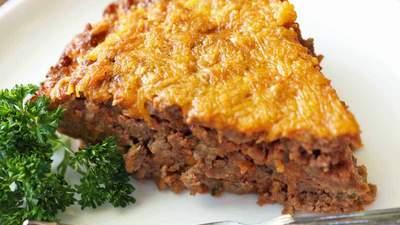 Ситний заливний пиріг з фаршем: швидкий покроковий рецепт – відео