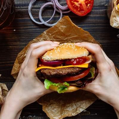 Когда переедания во время диеты – законно: что такое читмил и кому это будет полезно