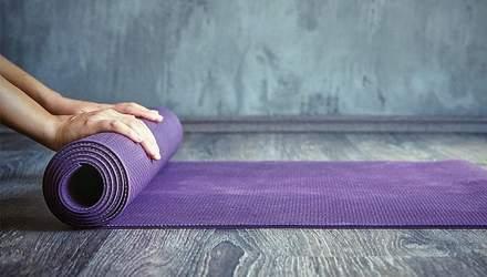 Як обрати килимок для йоги: без чого тренуватися стає небезпечно