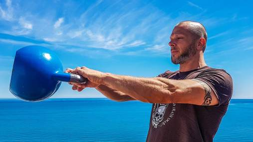 Кругове тренування з гирею на все тіло: ТОП-8 вправ з відео