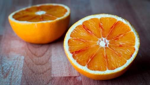 Легкий десерт для спекотного літа: як приготувати желе з апельсинового соку з ягодами
