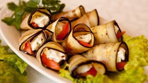 Простой рецепт на выходные: овощные рулеты с курицей и сыром